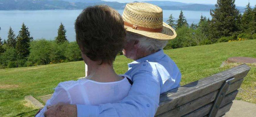 Израильские врачи советуют пенсионерам научиться получать удовольствие от секса