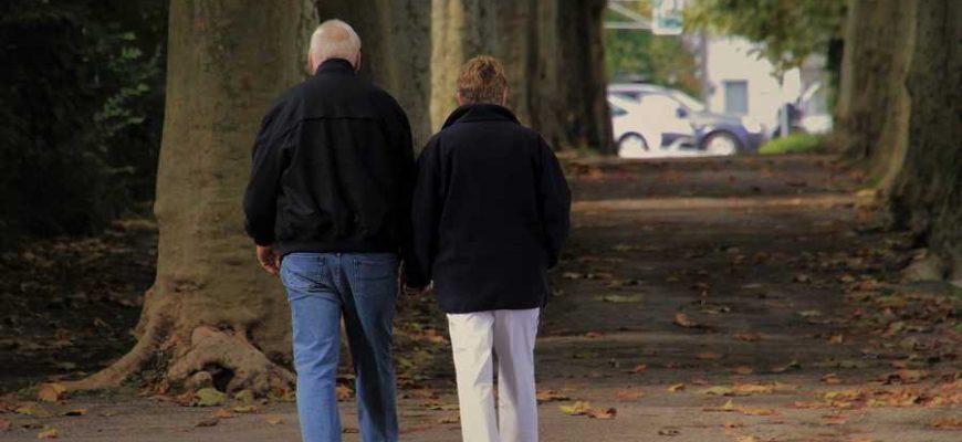 Осень без грусти: чем отвлечь пожилых родственников от осенней хандры
